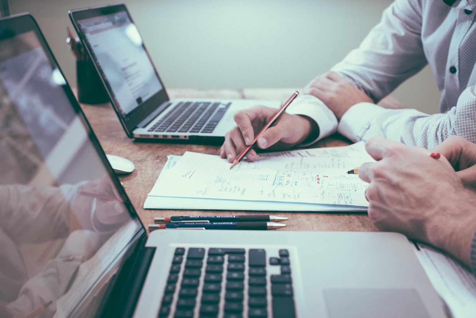 desk-writing-work-hand-man-working-596254-pxhere.com (1)
